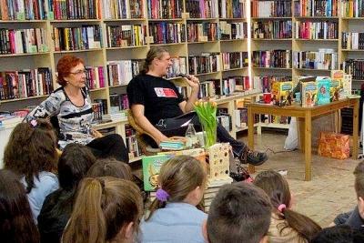 Spisovateľ Branislav Jobus prezradil žiakom v Revúcej, čo je to láska podľa víly Agapé