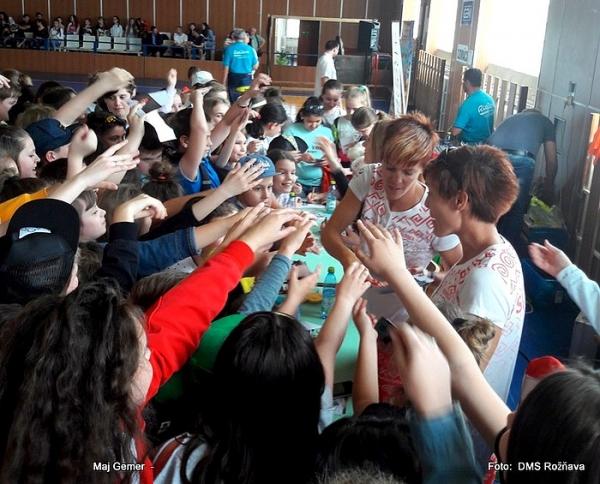 Žiaci základných škôl rožňavského okresusa dotkli svojich olympijských hviezd