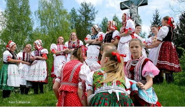 U nás taká obyčaj...: Jozefovské jarné spevy s folklórnou skupinou Stromíš z Vlachova v Dome tradičnej kultúry Gemera v Rožňave