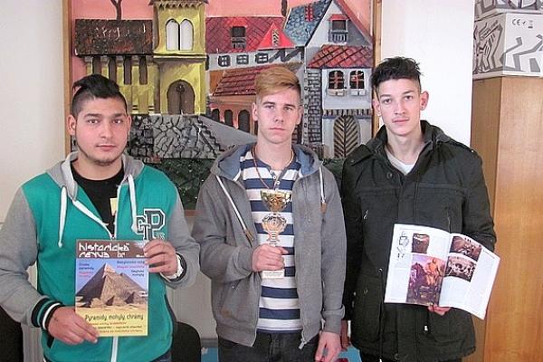 Študenti z Tornale súťažili v 8. ročníku memoriálu maršála Malinovského v streľbe zo vzduchovky